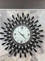 Часы настенные  Лучики  черные